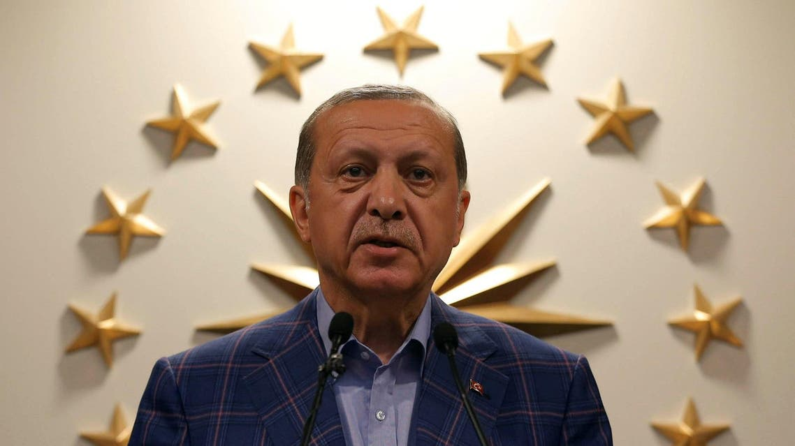 Turkish President Recep Tayyip Erdogan speaks during a news conference in Istanbul, Turkey April 16, 2017. Picture taken April 16, 2017. REUTERS/
