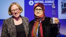 """طبيبة يمنية تكافح """"الأمراض المهملة"""".. وتحصد جائزة دولية"""