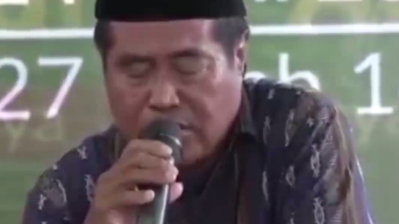 VIDEO: Indonesian dies while reciting Quran during official ceremony