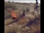 فيديو.. قبيلة مصرية تحرق داعشياً وتتوعد زملاءه في سيناء