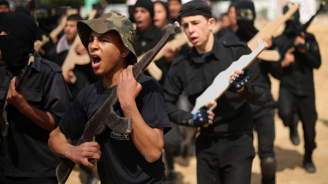 Palestinians take part in a military exercise graduation ceremony organized by Palestinian national security forces loyal to Hamas, in Gaza City April 2, 2016. (Reuters)