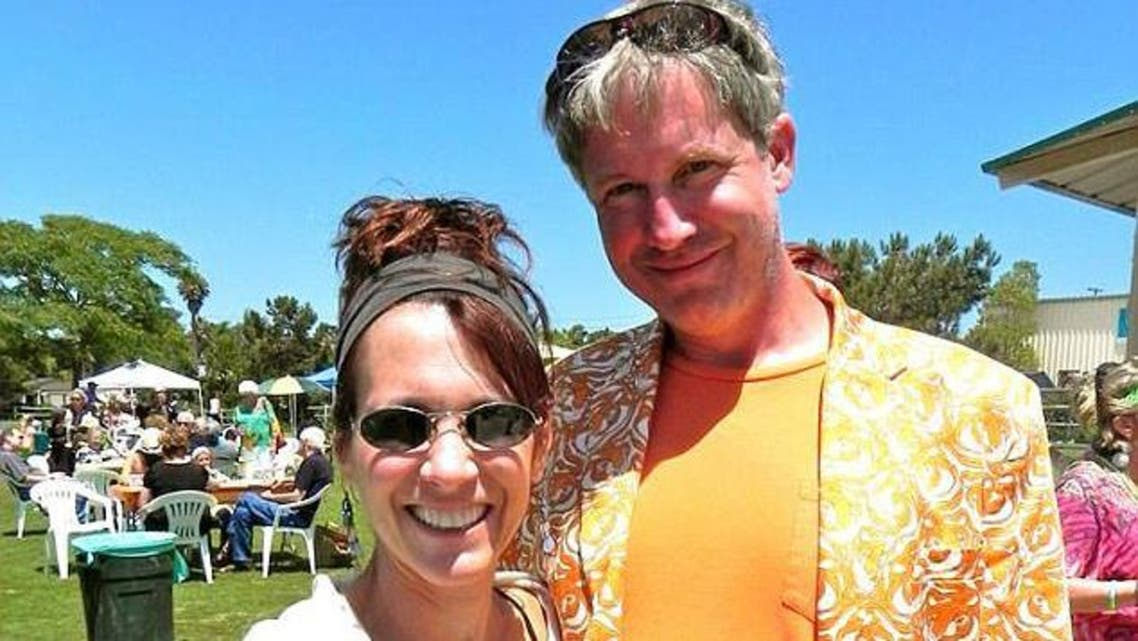 رجل وامرأة يلتقيان لأول مرة بعد 42 سنة من تبادل الرسائل
