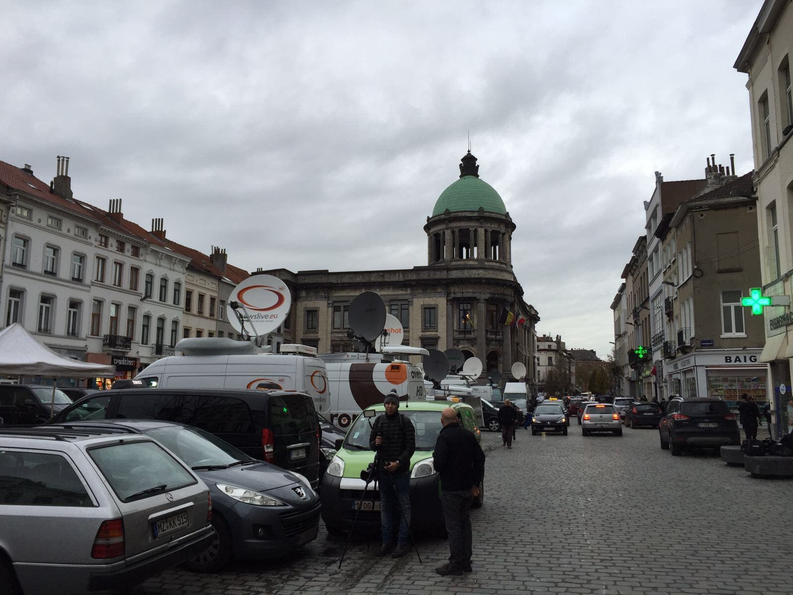 بلدية مولنبيك محط أنظار العالم بعد اعتداءات باريس في نوفمبر 2015