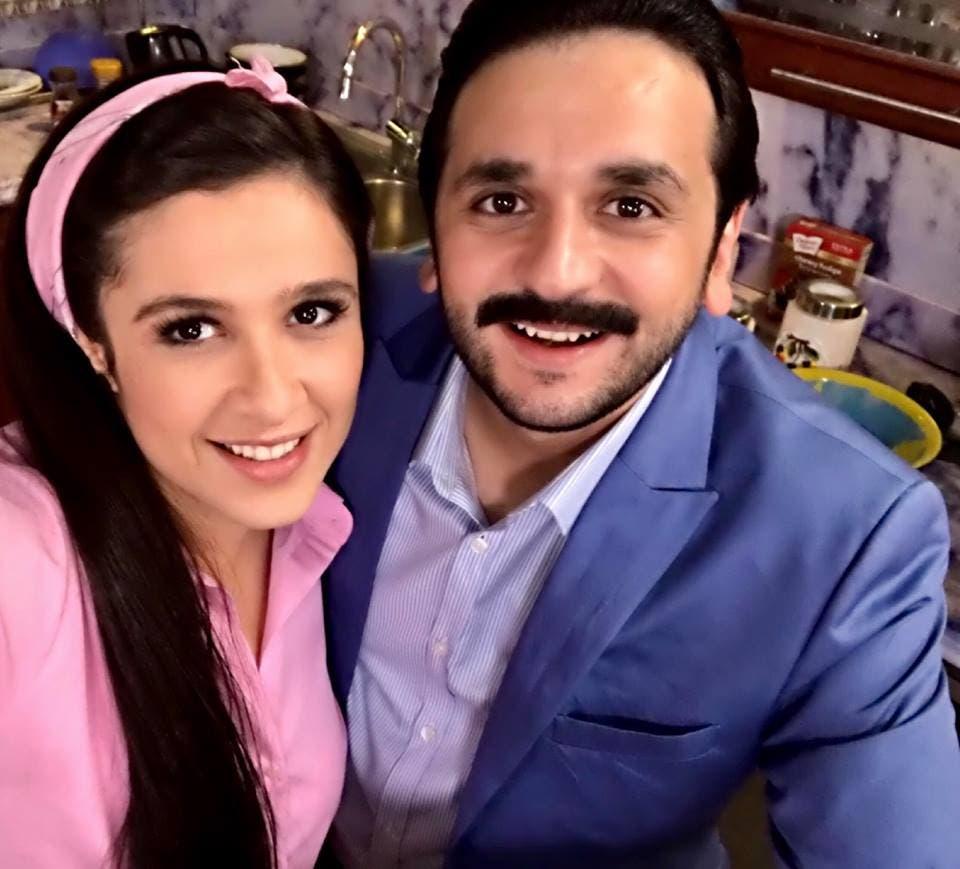 مصطفى خاطر وياسمين عبدالعزيز في كواليس المسلسل