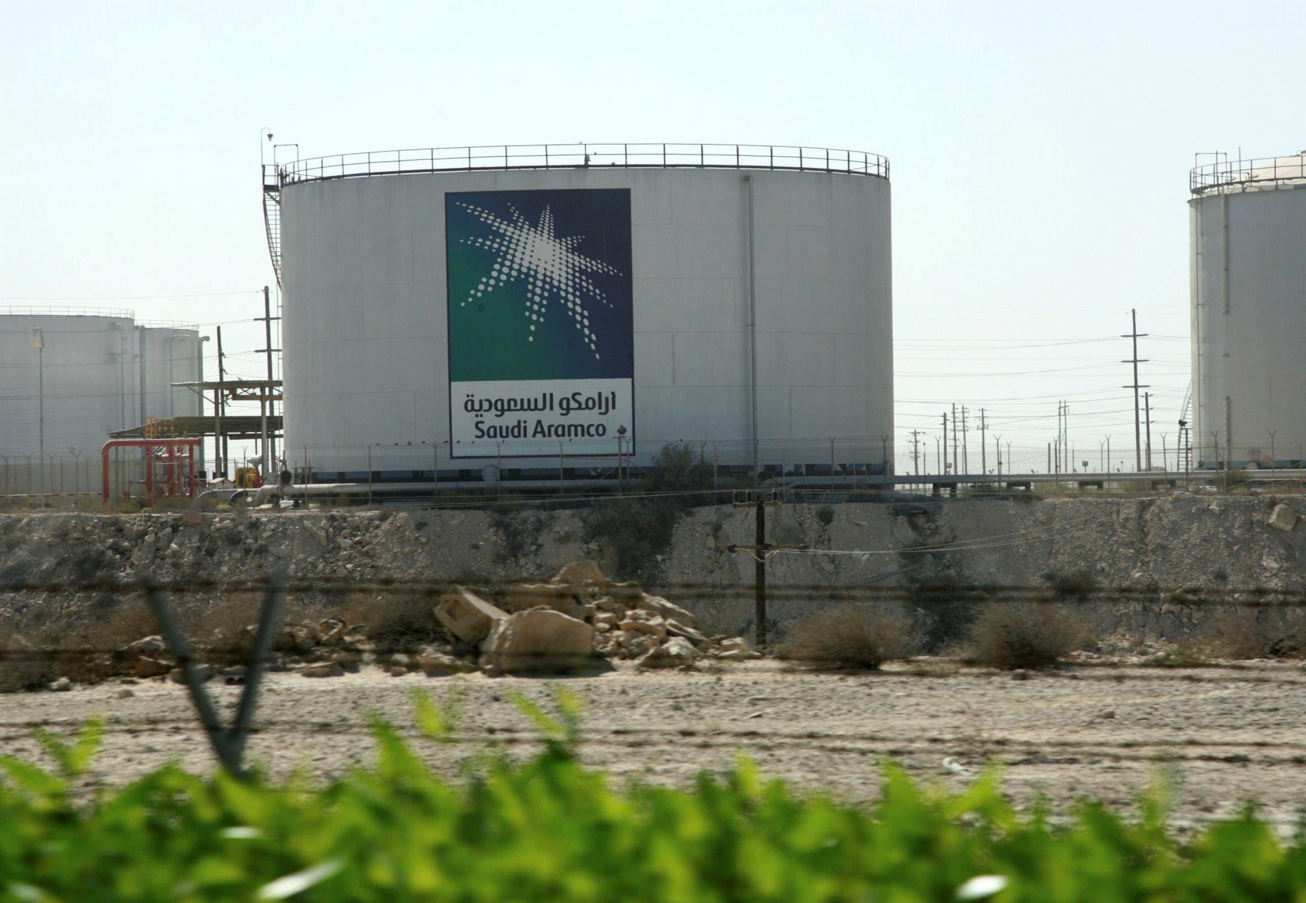 Oil tanks seen at the Saudi Aramco headquarters during a media tour at Damam city November 11, 2007. (Reuters)