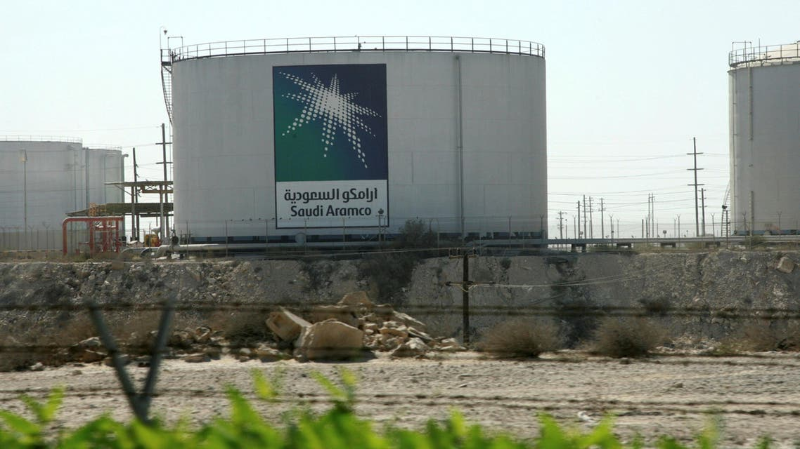 Oil tanks seen at the Saudi Aramco headquarters during a media tour at Damam city November 11, 2007. (Reuters)