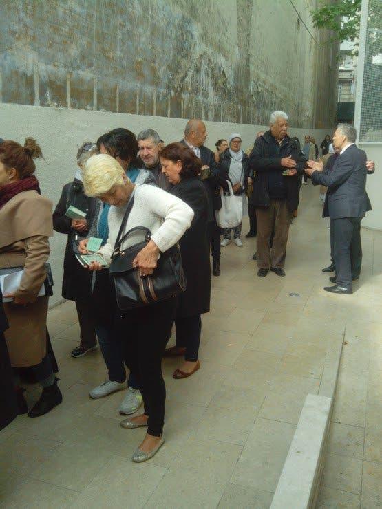الجالية الجزائرية بفرنسا تدلي بأصواتها في الانتخابات التشريعية