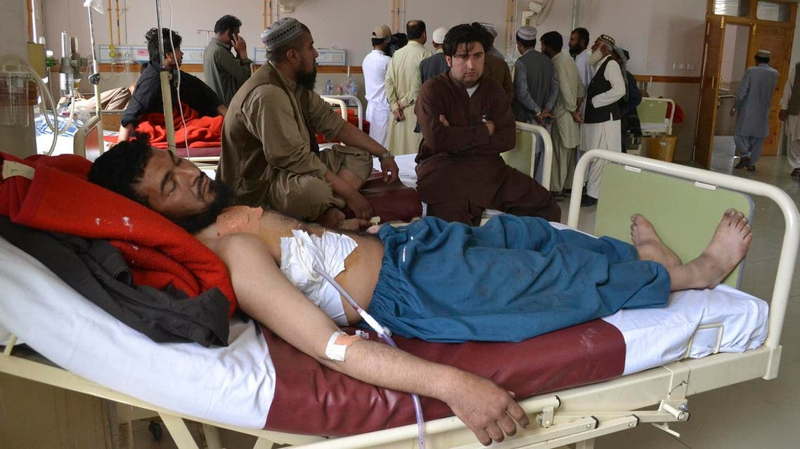 A Pakistani victim of cross border firing rests at a hospital in Quetta, on May 5, 2017. (AP)