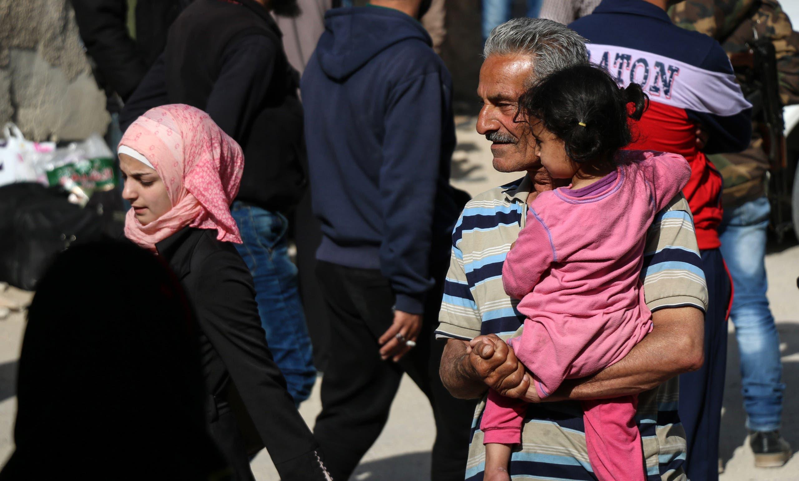 أول عملية تهجير للمعارضة من دمشق إلى إدلب