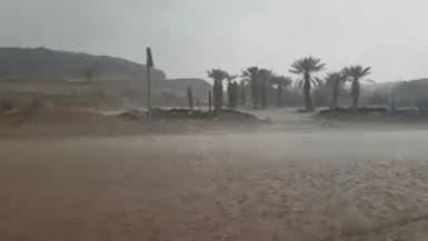 أمطار غزيرة تضرب مناطق جنوبية في السعودية
