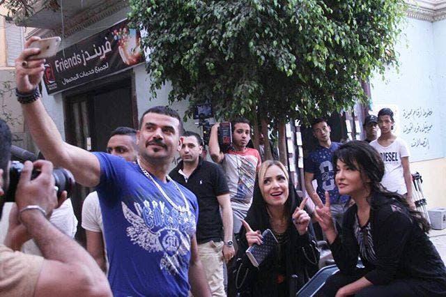 سامو زين وعلا غانم وريم البارودي في كواليس المسلسل