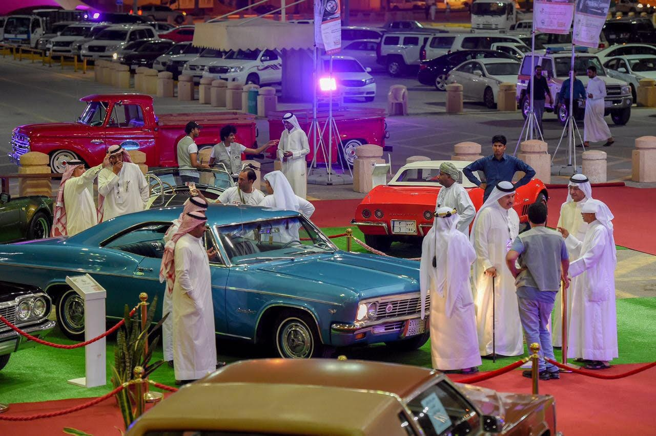 In Pictures A Look Inside The Classic Cars Festival In Saudi S