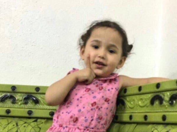 لحظة اختطاف الطفلة شوق من مجمع بالرياض.. وأبوها يناشد