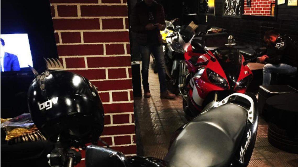 مقهى الدراجات النارية القاهرة
