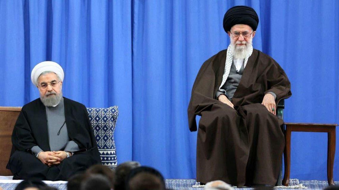المرشد الإيراني علي خامنئي مع الرئيس حسن روحاني