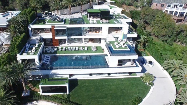 Watch al arabiya takes you inside most expensive mansion for Most expensive house in us