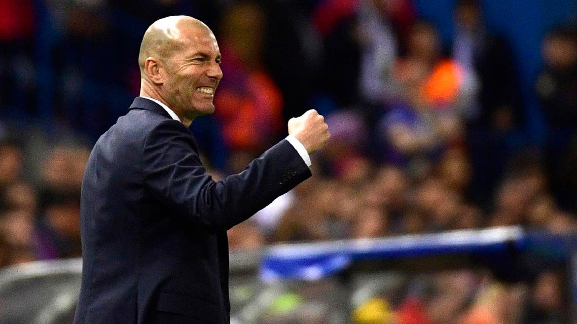 Real Madrid's French coach Zinedine Zidane gestures on the sideline during the UEFA Champions League semi final second leg football match Club Atletico de Madrid vs Real Madrid CF at the Vicente Calderon stadium in Madrid, on May 10, 2017.