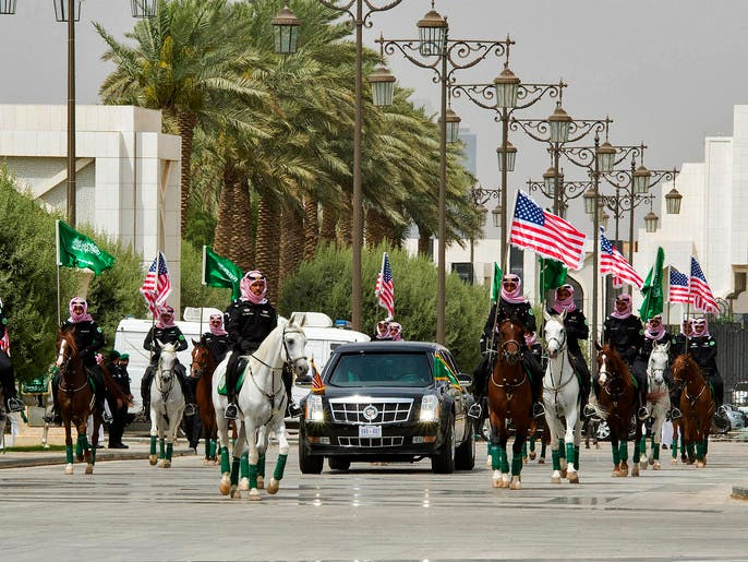 مواصفات غريبة بسيارة ترمب التي تجول بها في الرياض