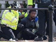 بريطانيا.. اعتقال رجل يحمل سكيناً أمام قصر باكينغهام