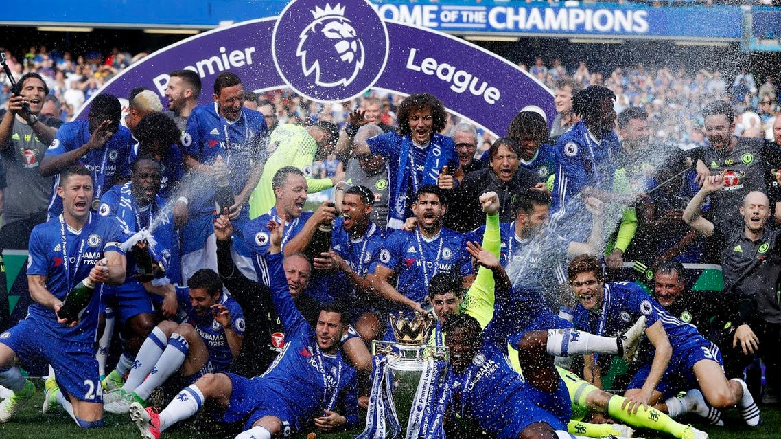 """Britain Football Soccer - Chelsea v Sunderland - Premier League - Stamford Bridge - 21/5/17 Chelsea celebrate with the trophy after winning the Premier League Action Images via Reuters / John Sibley Livepic EDITORIAL USE ONLY. No use with unauthorized audio, video, data, fixture lists, club/league logos or """"live"""" services. Online in-match use limited to 45 images, no video emulation. No use in betting, games or single club/league/player publications. Please contact your account representative for further details. (AFP)"""