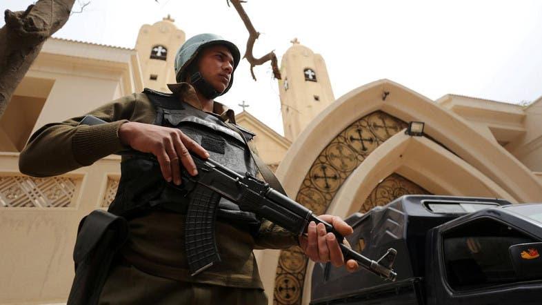 عنصر من الأمن المصري