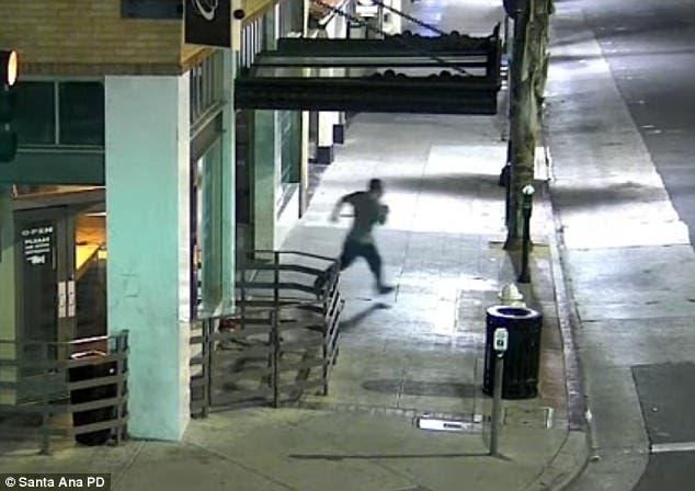 المهاجم يفر بعد ارتكاب جريمته