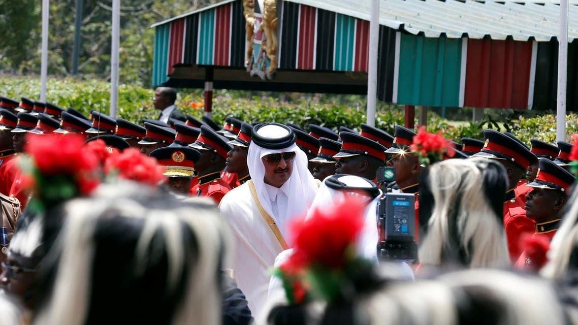 Qatari Emir Sheikh Tamim bin Hamad al-Thani inspects guards of honor at the State House in Nairobi, Kenya April 11, 2017. (Reuters)