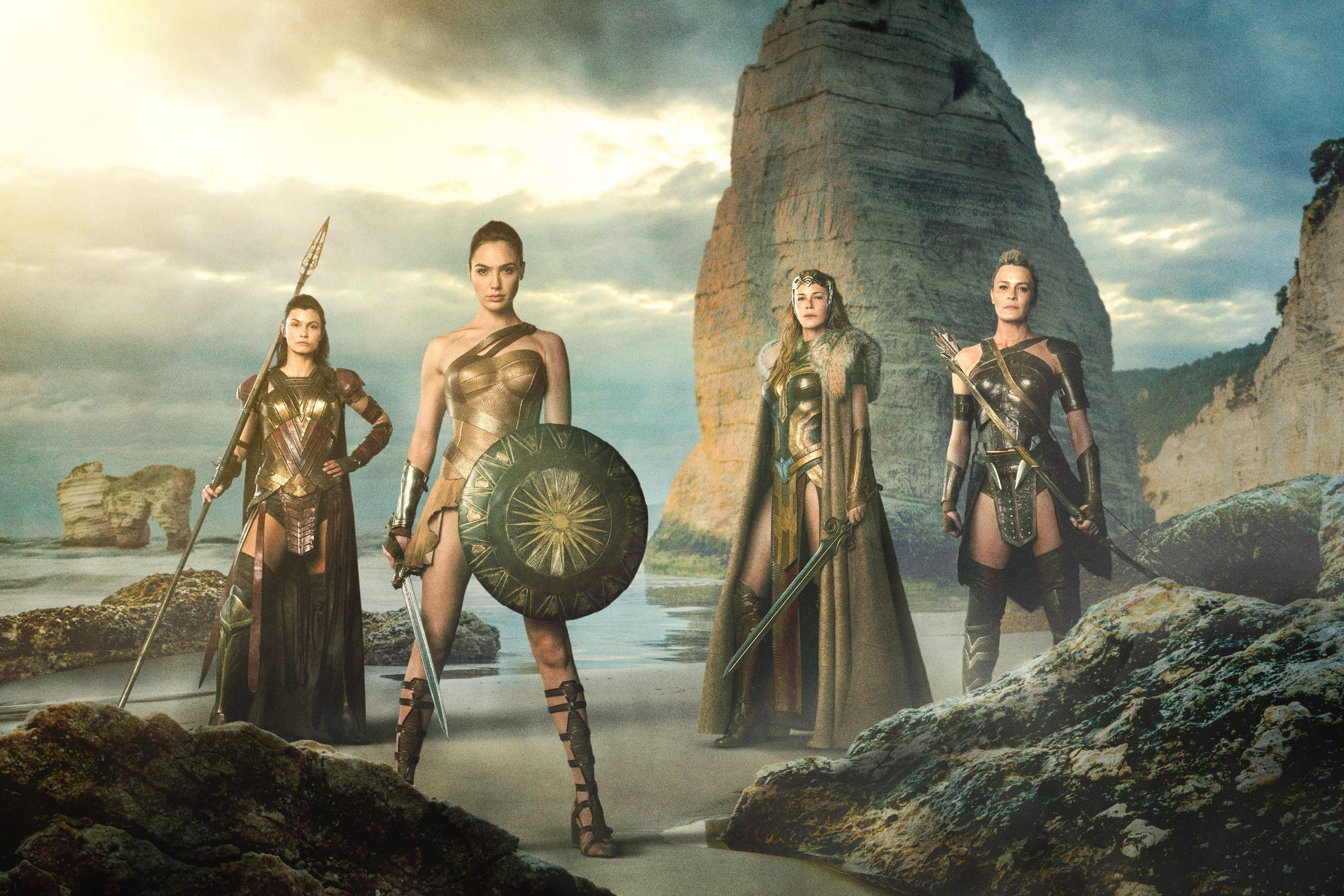 (L-R) LISA LOVEN KONGSLI as Menalippe, GAL GADOT as Diana, CONNIE NEILSEN as Hippolyta and ROBIN WRIGHT as Antiope. (Warner Bros. Pictures release)