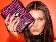 """بيللا حديد اختارت حقيبتها الجديدة من """"بولغاري"""""""