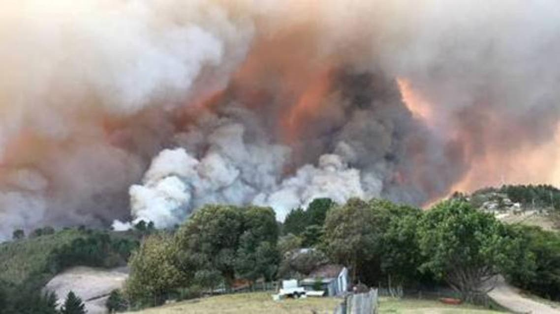 Fires burn at Buffelsvermaak farm near Knysna, South Africa June 7, 2017. Strong winds fanned fires which destroyed houses and prompted the evacuation of thousands of residents. Picture taken June 7, 2017.