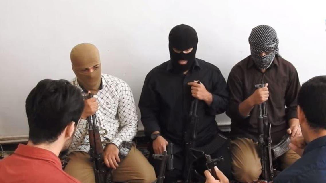 الصورة من فيديو داعش عن المهاجمين الخمسة