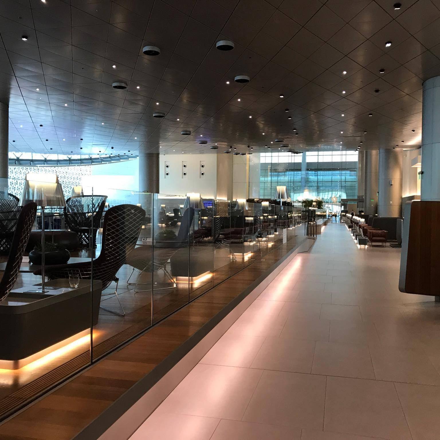 الناجية الوحيدة تروي تفاصيل ما حدث فيمطار قطر