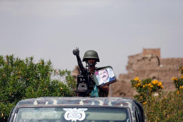أحد عناصر الميليشيات في صنعاء