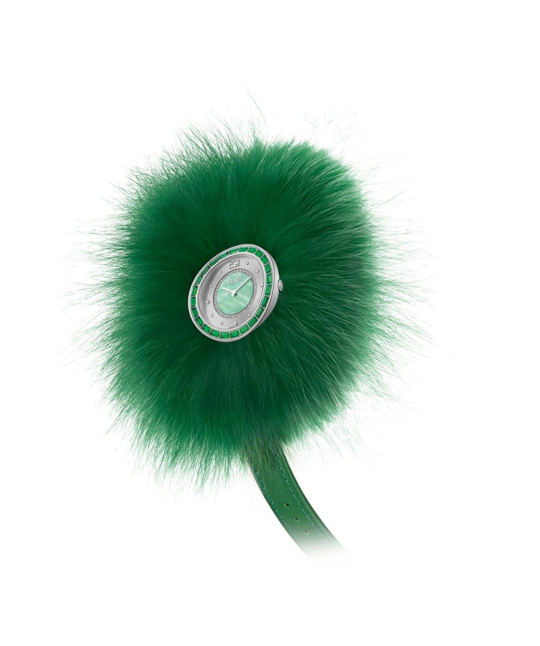 ساعة فندي  ماي واي توباز بالفرو الأخضر