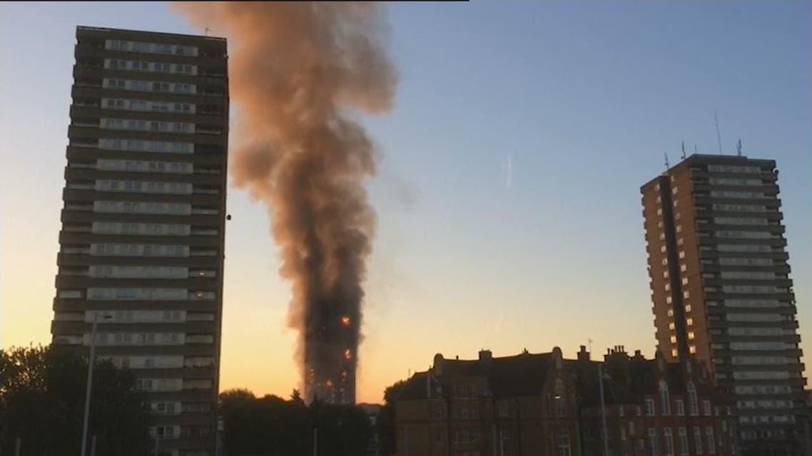 THUMBNAIL_ المسلمون ساعدوا سكان برج لندن المنكوب قبل وبعد الكارثة