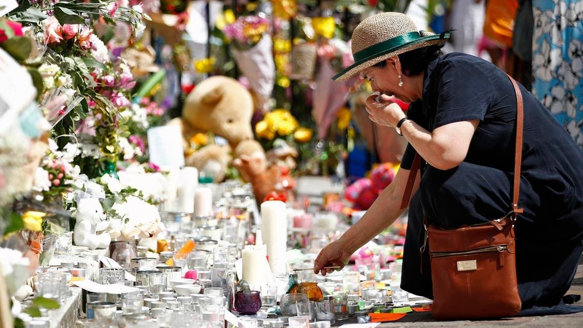 flower tribute for grenfell tower victims afp