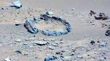 صورة لصخور محيّرة ظهرت مرتبة بانتظام على سطح المريخ