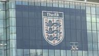 الاتحاد الإنجليزي يلغي الموسم الحالي ويشطب النتائج