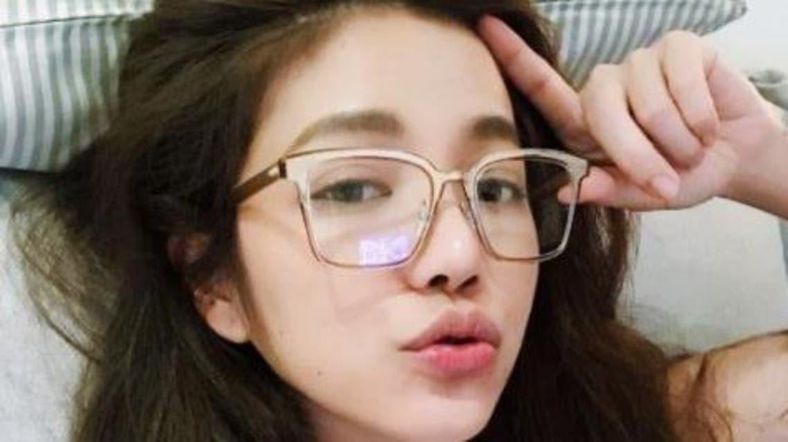 تايوانية عمرها 42 سنة