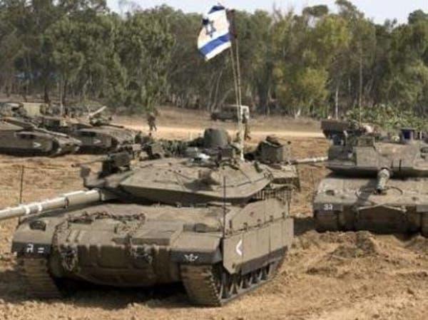 دبابات إسرائيلية تستهدف مواقع النظام السوري بالقنيطرة