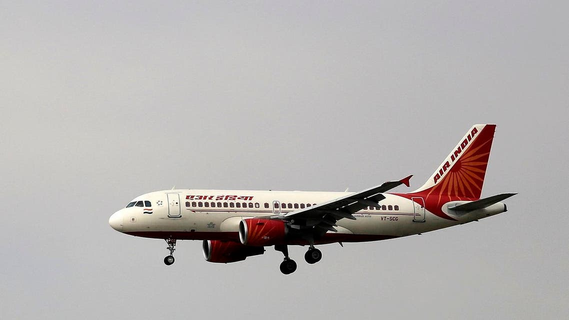 An Airbus A319 of Air India prepares to land at the Indira Gandhi International airport in New Delhi, India. (File photo: AP)