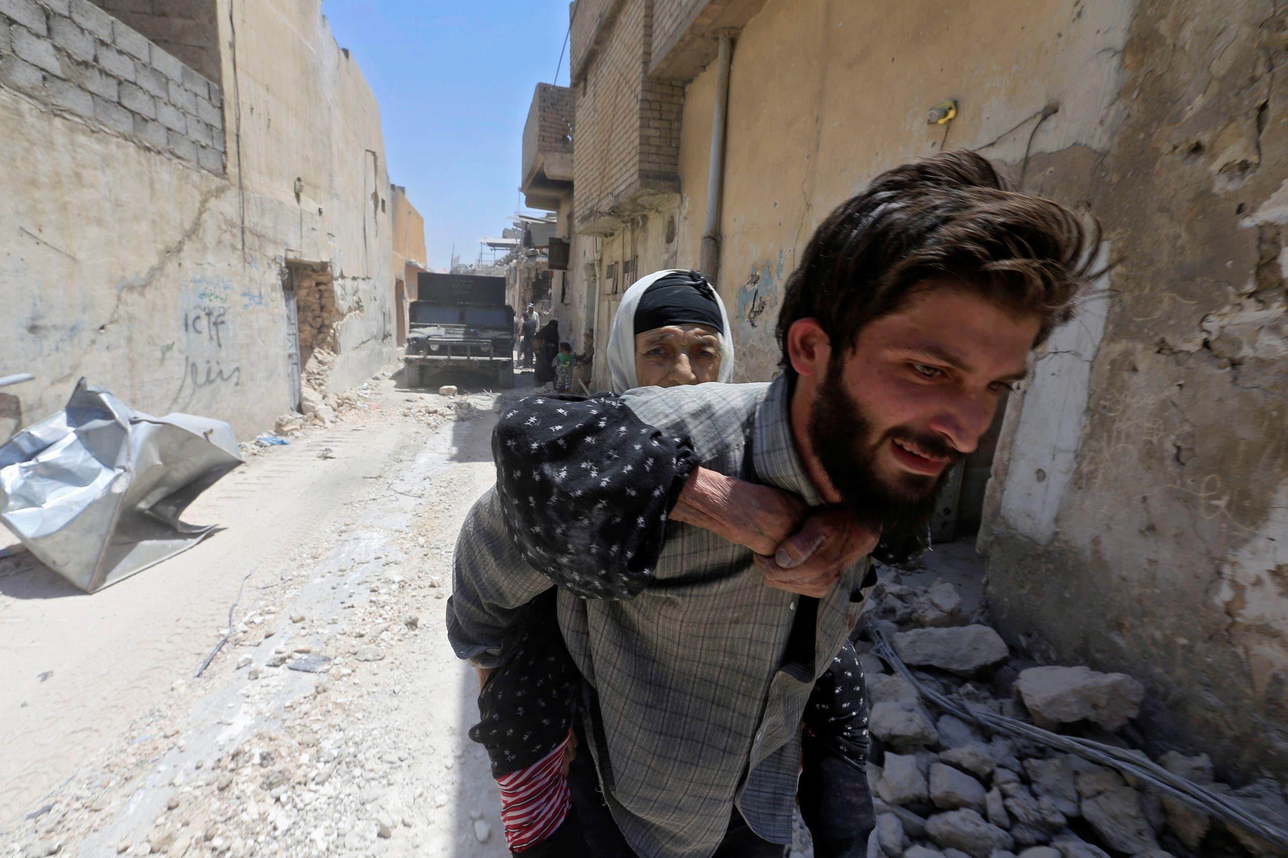 iraqs flee mosul reuters