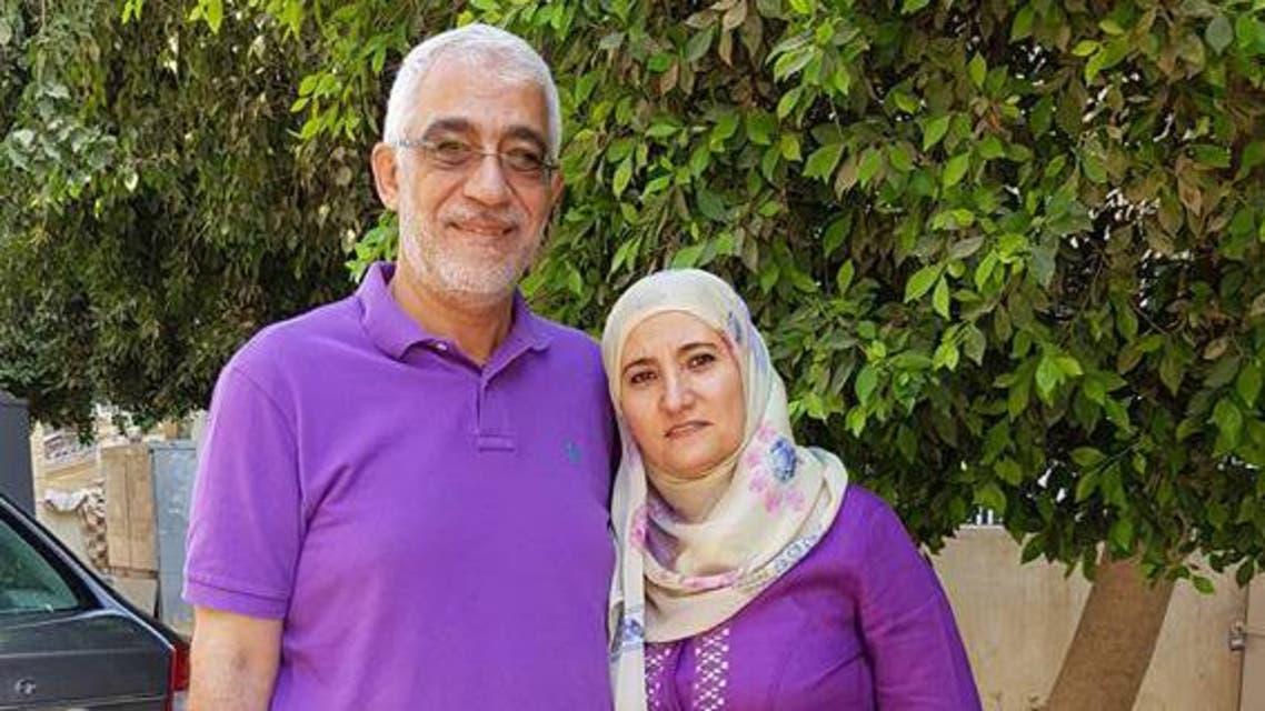 علا القرضاوي ابنة القرضاوي مع زوجها