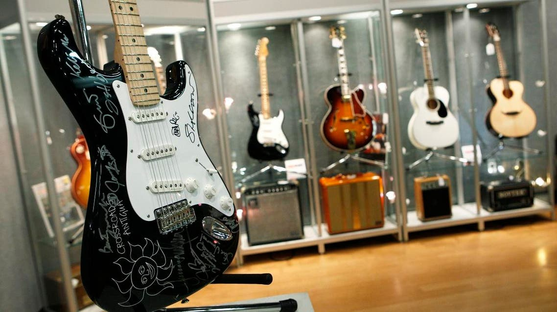 Fender Musical Instruments Corp, whose electric guitars have powered music from Jimi Hendrix to Nirvana, is getting into the software business with an app for guitar lessons. (File Photo: Reuters)
