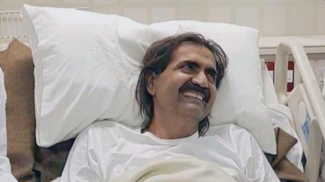 """""""شرخ في الساق"""" يدفع والد أمير قطر لإجراء عملية جراحية"""