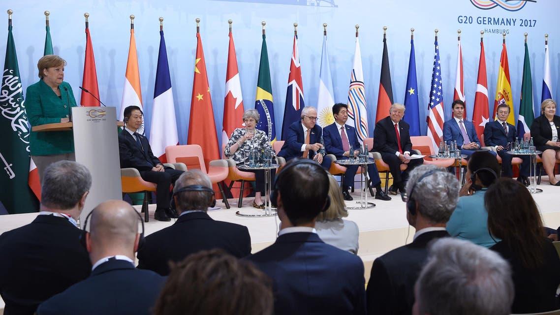 ميركل تتحدث أمام زعماء قمة العشرين