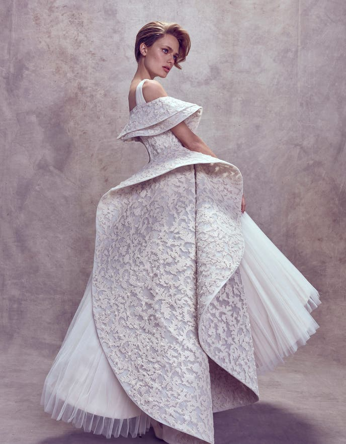 مجموعه فساتين زفاف المستوحاة فتاة