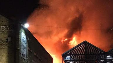 لندن.. حريق هائل يندلع في سوق كامدن لوك الشهير