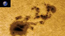 سواد مثير للمخاوف يظهر في الشمس أكبر من 19 كرة أرضية