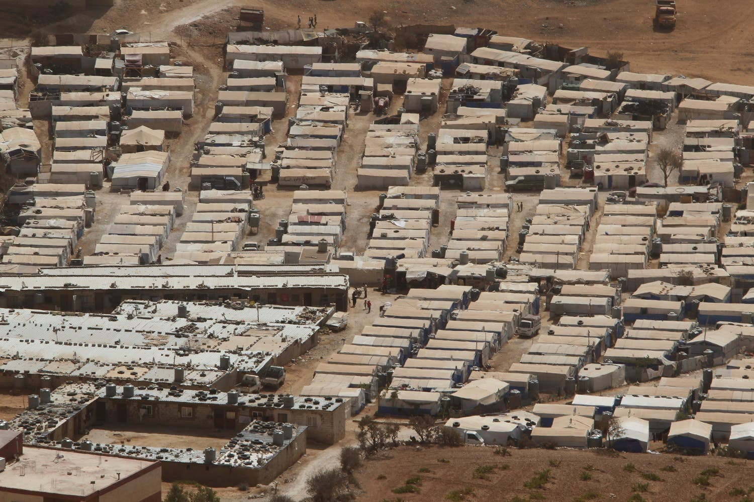 A general view shows tents of Syrian refugees on the outskirts of the Lebanese town of Arsal, near the border with Syria, Lebanon September 21, 2016. Picture taken September 21, 2016. REUTERS/Mohamed Azakir